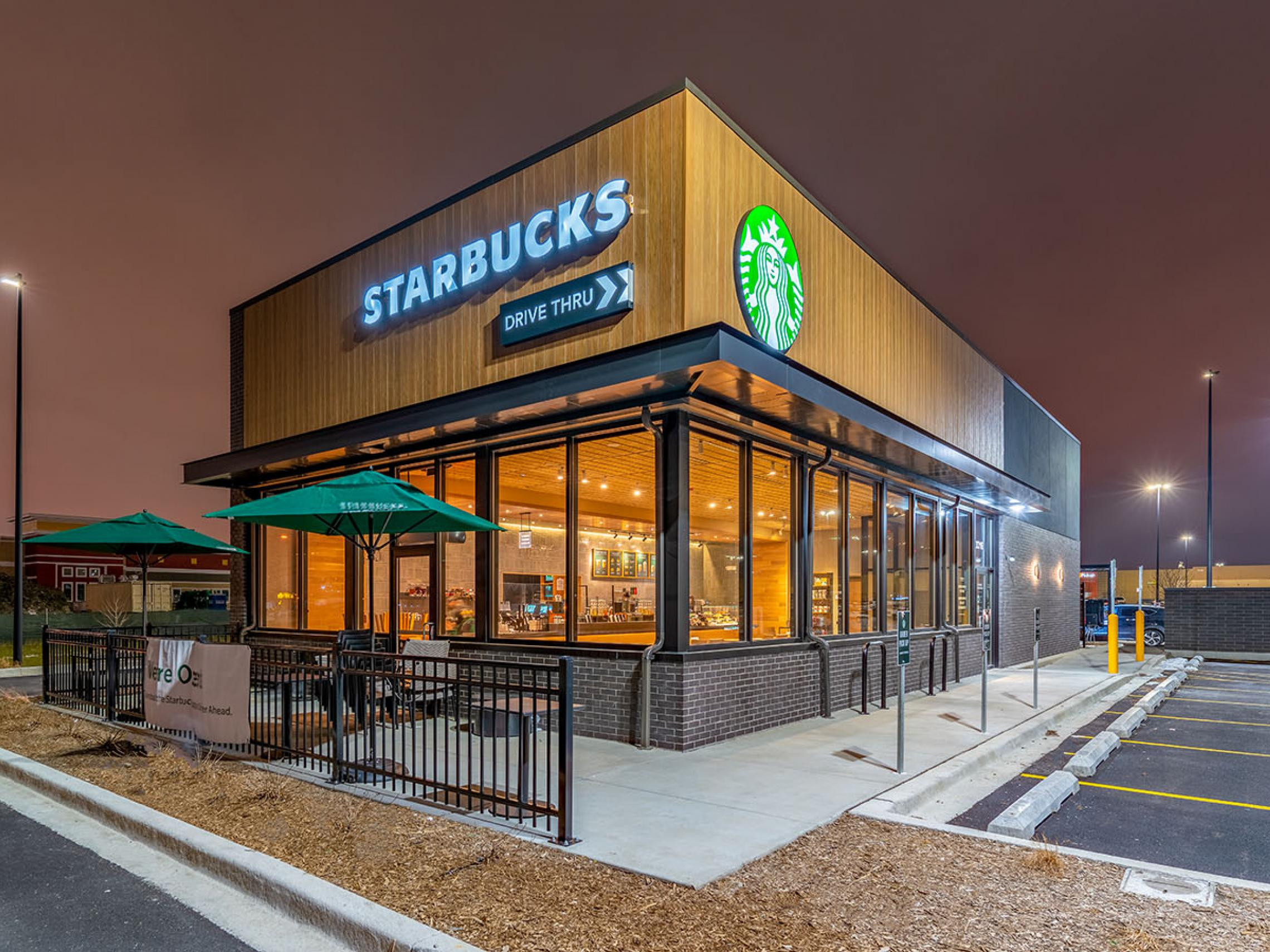 Freestanding Starbucks with Drive-Thru, Cicero, IL